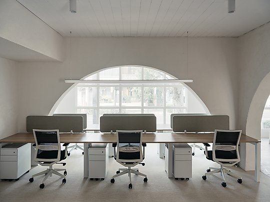 Interior photograph of Aje Office by Felix Forest